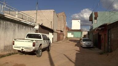 Moradores do trecho um do Sol Nascente estão sem saber para onde ir - A Agefis está pedindo para eles deixarem as casas porque há risco de desabamento.