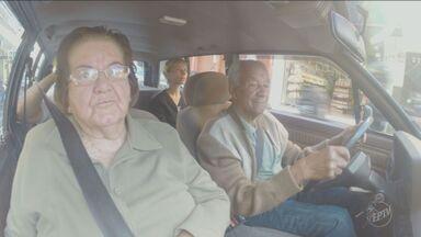 Motorista de 93 anos conta segredo para dirigir com responsabilidade - O senhor Saulo Viera de Serra Negra tem quase sete décadas de CNH.