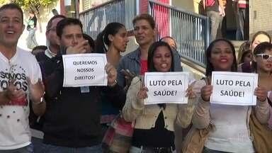 Terceirizados do hospital Getúlio Vargas protestam contra falta de pagamento - A direção do hospital disse que os depósitos estão sendo feitos hoje