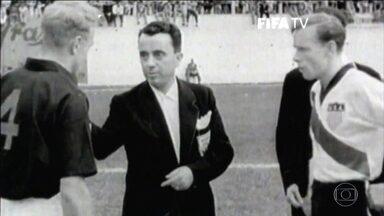Time amador com cinco amigos de bairro, EUA bateu Inglaterra na Copa de 1950. - Considerada a maior zebra da história, os Estados Unidos venceram os inventores do futebol. EE falou com último sobrevivente daquele time