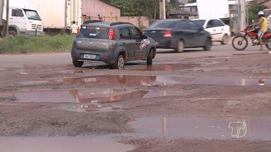 Falta de sinalização e problemas de infraestrutura causam transtornos em trecho da BR-163 - Trecho fica na altura da rua Tancredo Neves.