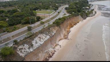 Barreira do Cabo Branco é interditada por causa de ameaça de desabamento - Obras para recuperação da barreira ainda não foram iniciadas.