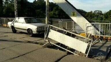 Motoristas reclamam de atraso em reforma de ponte em Piraí, RJ - Obra estava marcada para começar na primeira quinzena de junho. Buracos, rachaduras e ferrugem preocupam quem passa pelo local.