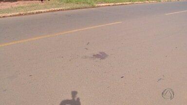 Briga no meio da rua termina com um baleado em Campo Grande - Uma briga no meio da rua terminou com um homem baleado na manhã deste sábado, em Campo Grande.