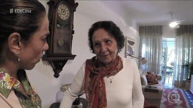 Cissa Guimarães conhece senhora que adaptou a casa para continuar a morar sozinha - Zezé mantém a independência aos 81 anos de idade