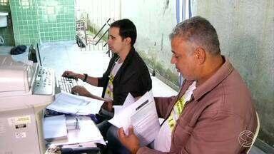 Projeto em Volta Redonda, RJ, dá dicas para ajudar jovens a conquistar primeiro emprego - Quem tem hábito de ler, por exemplo, já sai na frente na hora de disputar uma oportunidade no mercado.