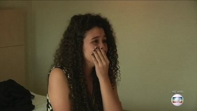 Fã de Fifth Harmony recebe surpresa da banda - Shayna se emociona no quadro 'Quando Você Menos Espera'