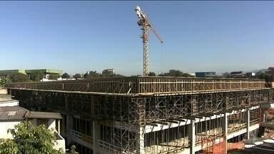 Construção de hospital prevê desapropriação de casas na Vila Brasilândia - Os moradores de 50 casas receberam um documento informando sobre a desapropriação. A notificação da Prefeitura diz que é para a construção do Hospital da Brasilândia, prometido para ser entregue em 2016.