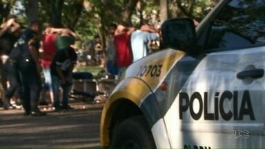 Polícia Militar e Guarda Municipal fazem nova operação na praça dos Pioneiros em Paranavaí - 253 pessoas foram abordadas e quatro delas foram encaminhadas à delegacia.