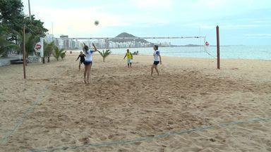 Dupla capixaba é campeã mundial de Futevôlei na Europa - Thaís e Lana contam suas experiências no esporte.