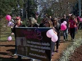 Mães se mobilizam contra a violência sexual infantil em Passo Fundo, RS - Protesto ocorreu no fim de semana pedindo a punição dos agressores
