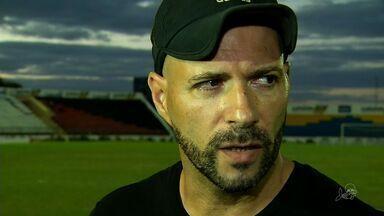 Paulo Morgado pede demissão do Icasa - Técnico diz que clube não tem dinheiro nem para a energia elétrica.