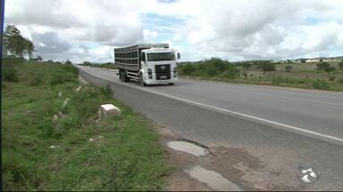 Motoristas excedem velocidade BR-423 em Paranatama - Moradores estão incomodados com a situação.