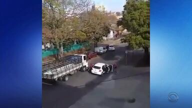 Vídeo mostra morte de policial militar em abordagem em Porto Alegre - Vítima foi identificada como Luiz Carlos Gomes da Silva Filhos, 29 anos.