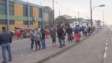 Estivadores fazem novo protesto enquanto aguardam decisão de recurso do TST - Segundo a categoria, uma medida prejudicará a vida de muitos estivadores.