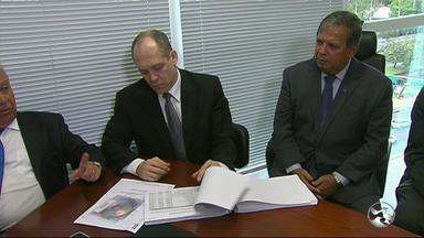 Ex-prefeito e ex-secretária de Saúde de Caruaru estão em lista do TCE-PE - Lista com quase 1.600 nomes de gestores foi entregue à Justiça Eleitoral.