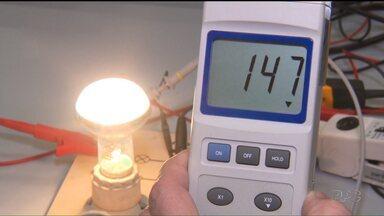 Saiba como escolher o melhor tipo de lâmpada para a sua casa - Alguns tipos de lâmpada têm um rendimento melhor e gastam menos energia.