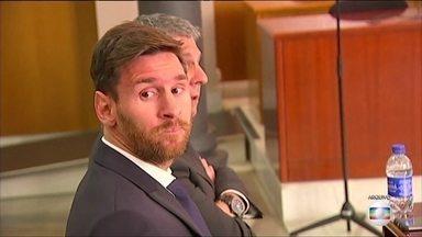 Messi é condenado por fraude fiscal na Espanha - O jogador argentino e seu pai foram condenados a 21 meses de prisão. Eles são acusados de sonegar mais de 4 milhões de euros em impostos entre 2007 e 2009.