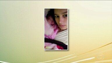 Bebê que sobreviveu ao acidente com caminhão-tanque vai para a casa da avó - A menina tem 19 dias e recebeu alta do hospital na terça-feira (5). Os pais dela e outras quatro pessoas morreram no acidente com um caminhão-tanque na BR-277, no domingo (3).