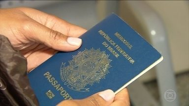 Distribuição de passaportes especiais começa nesta quarta-feira (6) - Os documentos foram feitos sem um dos itens de segurança, porque um dos equipamentos usados na confecção do passaporte apresentou problemas.