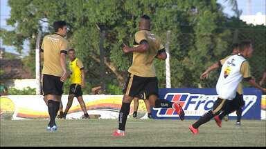 Henik deve ganhar a posição de Val no Botafogo-PB - Volante é o preferido de Itamar Schülle para entrar no time no jogo contra o ASA de Arapiraca, pela Série C