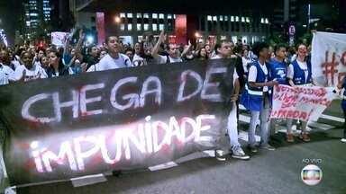 Moradores de Lauzane Paulista protestam pela da morte de uma agente de saúde comunitária - Os manifestantes estão no vão do Masp, na Avenida Paulista. A agente comunitária Fátima Viana foi morta na semana passada.
