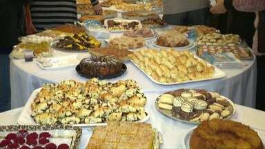 Banquete marca o fim do Ramadã na Mesquita de Foz - Esse período é considerado sagrado pelos muçulmanos.