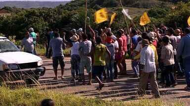 Polícia cumpre reintegração de posse na Barra dos Coqueiros - Polícia cumpre reintegração de posse na Barra dos Coqueiros.