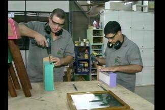 Mercado de trabalho no setor moveleiro em expansão - Jovens se especializam na produção de móveis em cursos técnicos do Instituto Federal Farroupilha em Santa Rosa, RS.