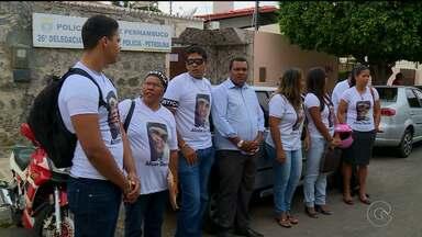 Familiares e amigos de Alison Dantas cobram empenho da polícia no caso de seu assassinato - Eles foram hoje até a delegacia de Petrolina
