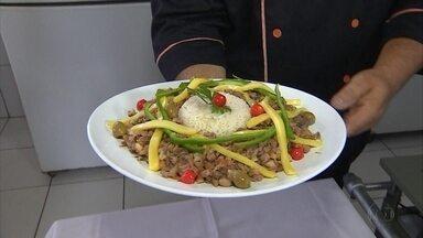 Com alta do feijão, receita prática ensina como usar o grão de forma diferente - Feijão anarquizado é prato típico do Restaurante Farinha de Ouro