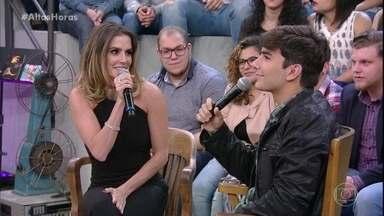 Deborah Secco conta como Hugo Moura a ajudou no parto - Marido da atriz não segurou a emoção com o nascimento da primeira filha