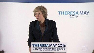 Theresa May será a segunda mulher a história a governar o Reino Unido - Depois de 25 anos, o Reino Unido vai voltar a ser governado por uma mulher. Um estilo discreto que a manteve como uma das ministras mais longevas do país e costurou o apoio de 60% da bancada parlamentar.