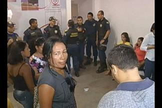 Professores de Marabá protestam contra salários atrasados - Os docentes ocuparam a sede da prefeitura de Marabá