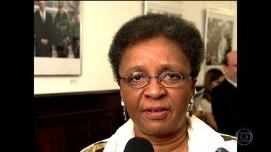 Morre a ex-ministra Luiza Helena de Barros - Ela era ex-ministra da Secretaria de Políticas de Promoção da Igualdade Racial. Luiza tinha câncer no pulmão.