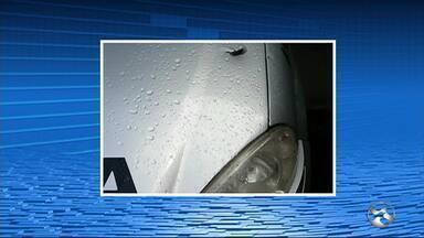 Policiais e suspeitos sofrem acidente após tiroteio e perseguição em Bonito - PMs e suspeitos perderam controle de veículos em estrada de terra.