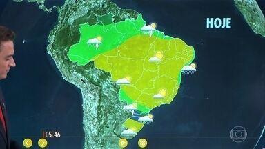 Confira como fica o tempo nesta sexta-feira (15) em todo o país - Frente fria chega na região Sul, em parte do Sudeste e no Sul de Mato Grosso do Sul.