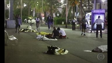 Brasileiros em Nice relatam momentos de pânico - Os brasileiros que estavam no local onde o atentado aconteceu, na última quinta-feira (14), relataram os momentos de terror. Confira.