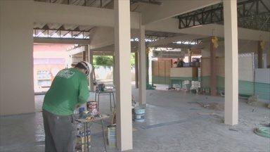 Obra de escola Carlos Gomes está sendo concluída - Obra da escola estava parada e prejudicou as aulas de muitas estudantes.
