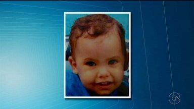 Mão procura crinaça de 1 ano e nove meses desaparecida em Olinda - A suspeita é de que ex-companheiro tenha raptado a criança