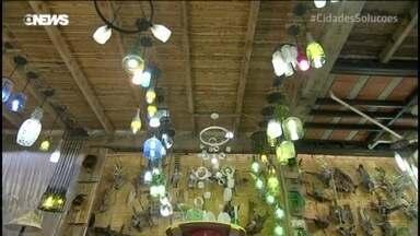 Casa de Vidro é exemplo de cuidados com meio ambiente - Projeto transforma vidros em diferentes produtos.