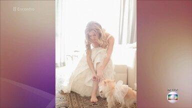 Karen Junqueira mostra fotos de seu casamento - Atriz declara seu amor por Bubu, sua cachorrinha de 2 anos. Ela diz que é muito diferente de sua personagem Jéssica, de 'Haja Coração'