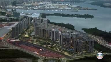 Vila Olímpica na Barra tem falta de luz a poucos dias da inauguração - A Vila Olímpica será inaugurada no domingo (24). São 17 prédios, cada um com 31 andares.