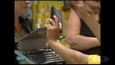 Cosumidores do Norte do ES têm problemas com dívida de cartão de crédito - Dívida pode aumentar até cinco vezes ao fim de 12 meses.