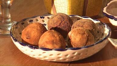 Faça um passeio pelo Parque Histórico de Carambeí e aprenda uma receita holandesa - É o Bitterballen, um bolinho de carne bem temperado que pode transformar o aperitivo em 'prato principal'