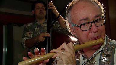 Bandas de pífanos misturam o som clássico do instrumento com a música erudita - Reportagem mostra a importância do pífano para a identidade cultural de Pernambuco.