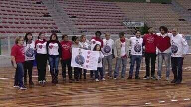 Jogo de futsal acontece na Arena Santos para ajudar na campanha da 'Ação do Coração' - A ação do coração será na terça-feira (2).