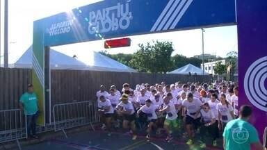 Duas mil pessoas participaram de corrida nos Estúdios Globo - Celebridades, funcionários e público em geral teve a oportunidade de conhecer os Estúdios em corrida de 5 Km