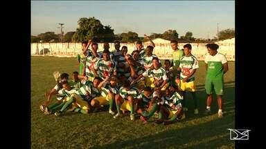 Etapa de Caxias da Copa Maranhão é conquistada pelo Sabiá - Etapa de Caxias da Copa Maranhão é conquistada pelo Sabiá. Decisão não aconteceu por conta do atraso do adversário de Codó.