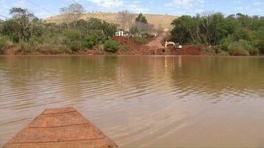 Empresa responsável por balsa anuncia que vai encerrar a travessia do rio Piquiri - A balsa fazia a ligação entre Campina da Lagoa e Guaraniaçu.